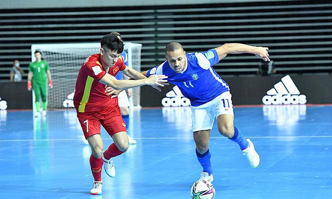 Vietnam suffer big defeat against Brazil in Futsal World Cup