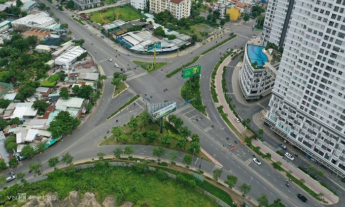 HCMC to trial 'green' passes for holders to avoid Covid restrictions