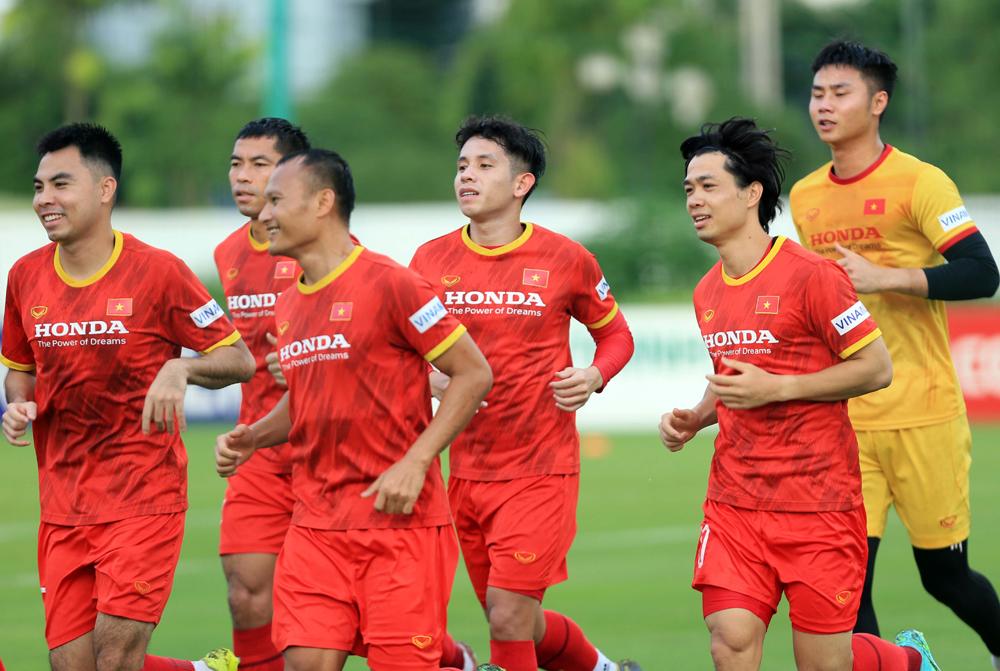 Vietnams national football team train in Hanoi, September 16, 2021. Photo by Vietnam Football Federation