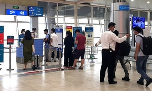 Cam Ranh welcomes first int'l flight in months