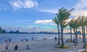 Covid under control, Quang Ninh reopens intra-provincial tourism