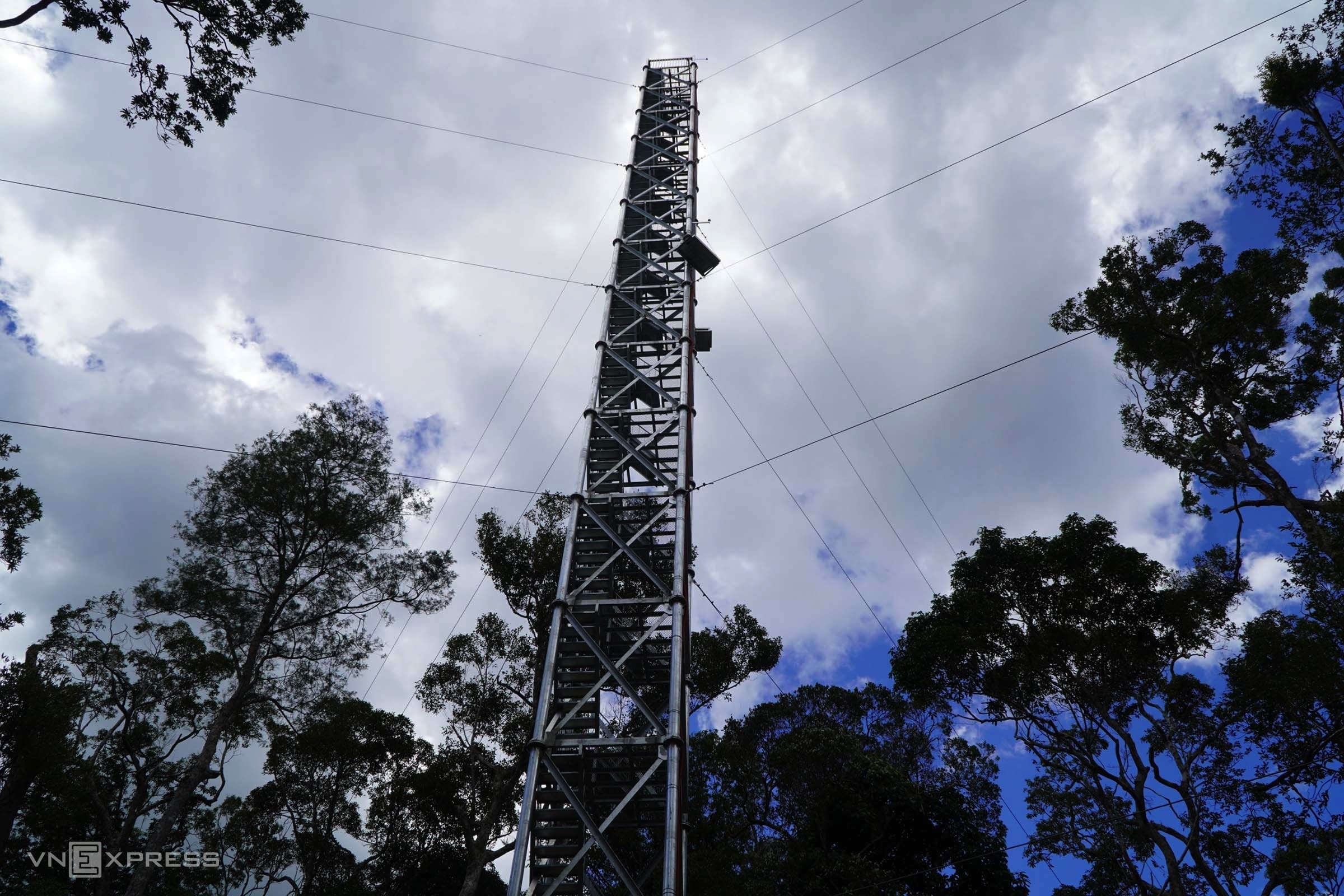 A 50-meter-high ecological observatory located in the middle of Kon Chu Rang nature reserve.
