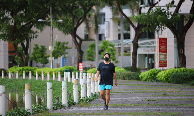 HCMC pilots outdoor exercise as another step to lift Covid restrictions