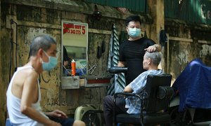 Hanoians flock to get haircut after Covid restrictions ease