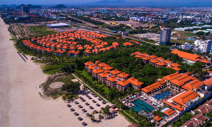 Da Nang mulls reopening tourist destinations, resorts from early October