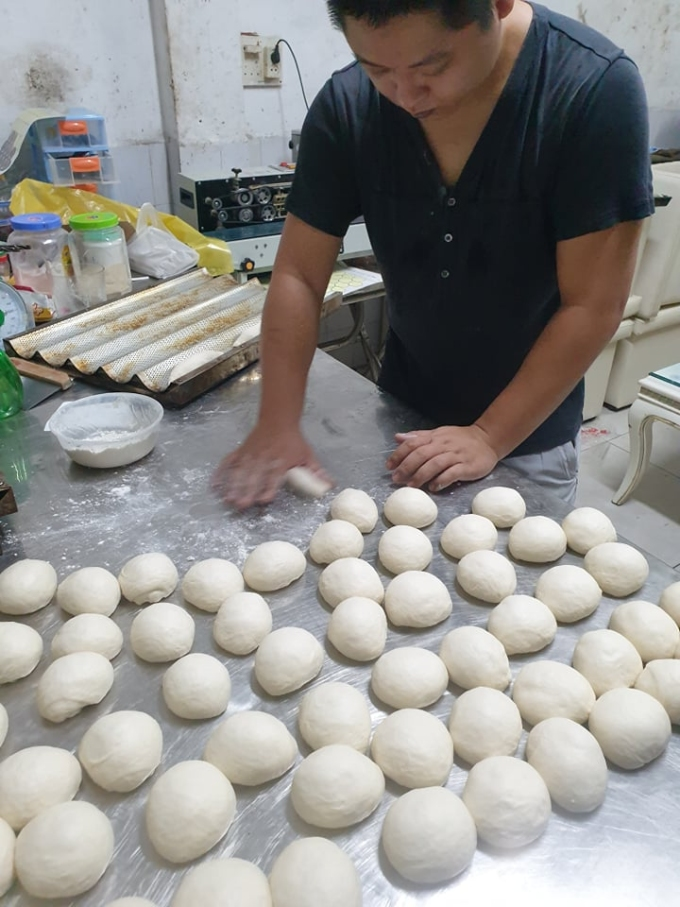 Duy Anh makes baguettes at home. Photo courtesy of Duy Anh