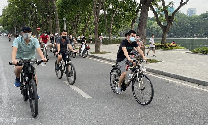 Hanoi to allow outdoor sports, exercises starting Tuesday