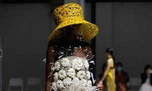 Anna Wintour's praise for Vietnamese designer at Milan Fashion Week