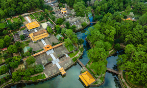 Hue reopens tourist destinations, historical sites with Covid restrictions