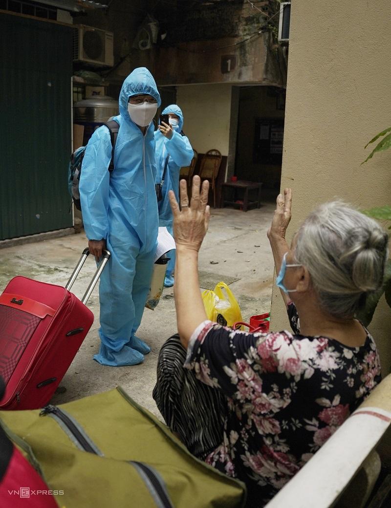 Hanoi lifts lockdown on largest Covid-19 hotspot