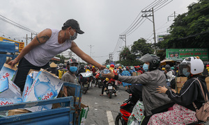 Milk of human kindness saves HCMC migrants from hunger, thirst