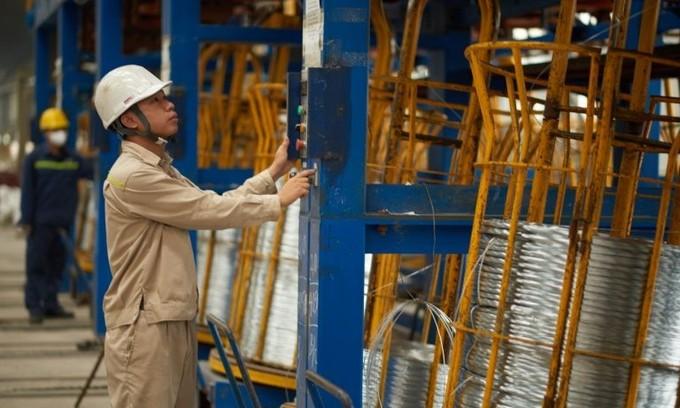 Dragon Capital sells 3.3 mln shares of steel giant Hoa Phat