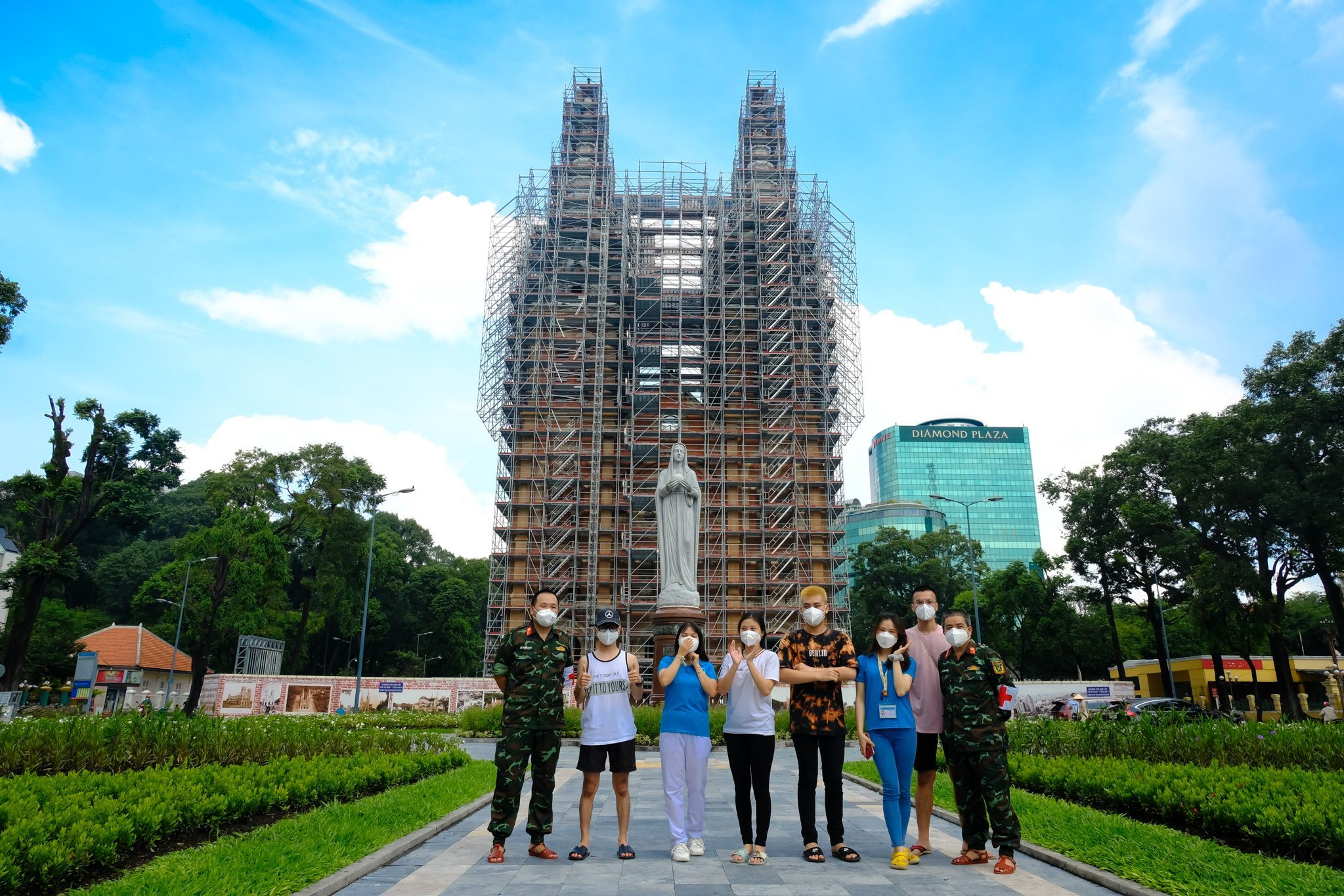 A group of friends meet up in front of Saigon Notre-Dame Cathedral, October, 2021. Photo by VnExpress/Maison de Bil