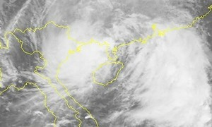 Cold spell, downpours to hit northern Vietnam