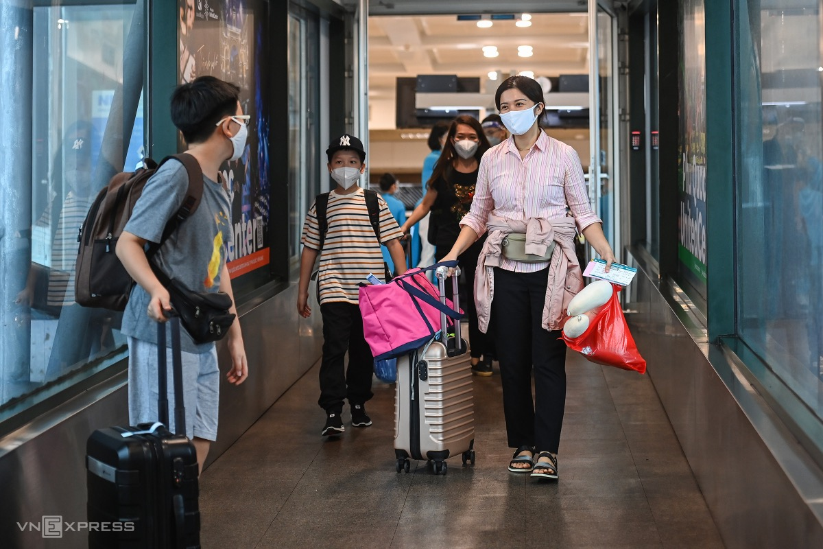 Stranded in Hanoi for months, Nga and her family were thrilled to return to HCMC.