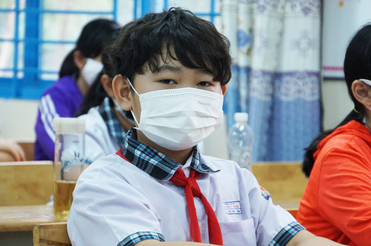 A student at Le Duc Tho Primary School, Go Vap District. Photo by VnExpress/Manh Tung