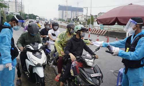 HCMC outlines travel plan between neighboring localities for workers