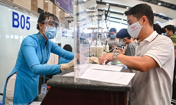 Passengers cancel Hanoi plans over seven day quarantine