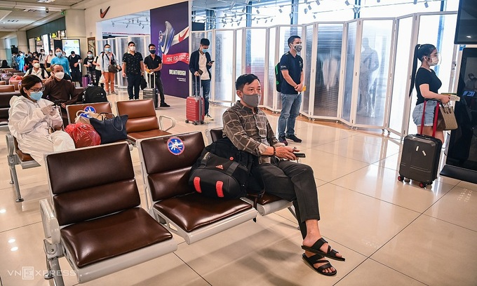 Hanoi, Hai Phong scrap mandatory quarantine for air passengers