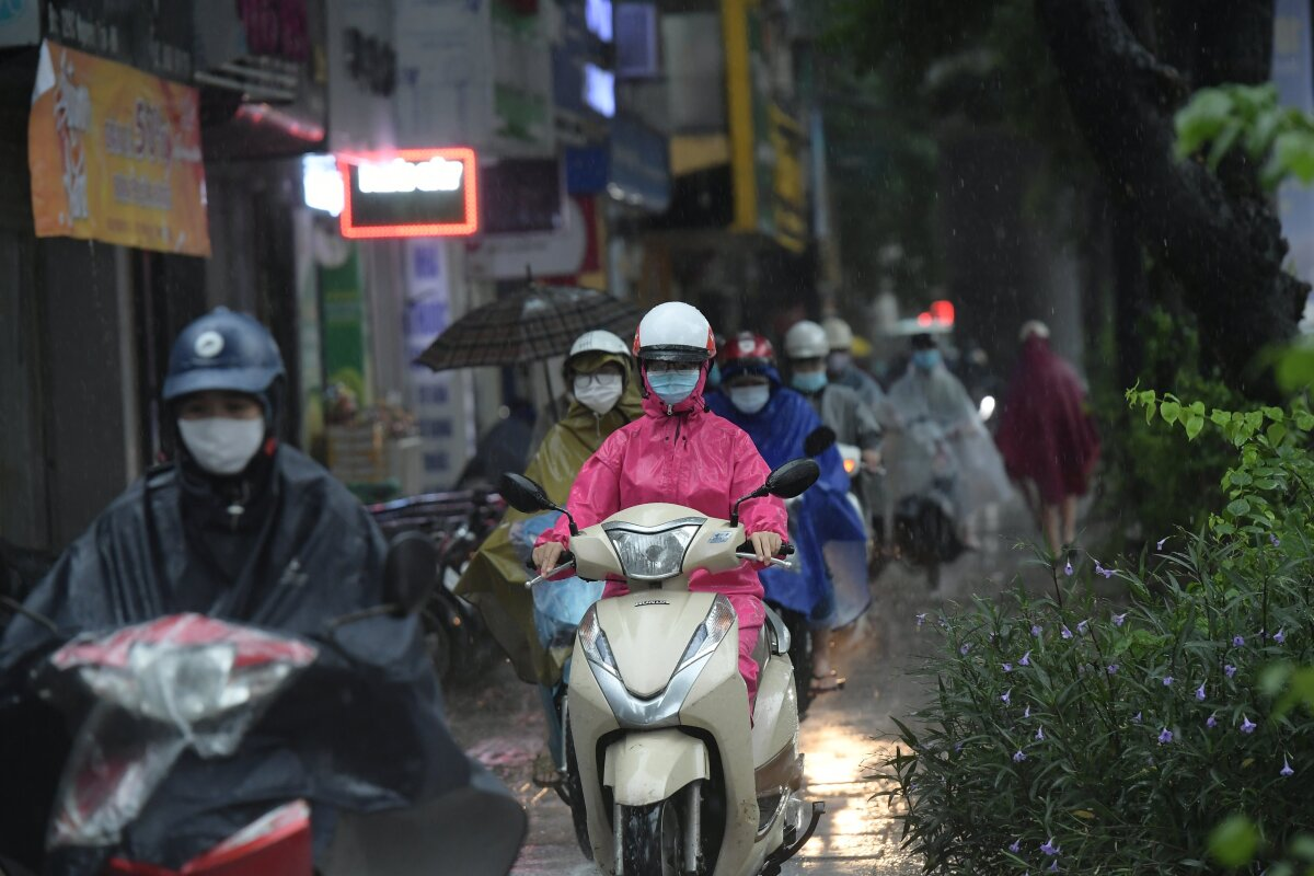 Driving on pavements becomes an option for motorbike drivers.