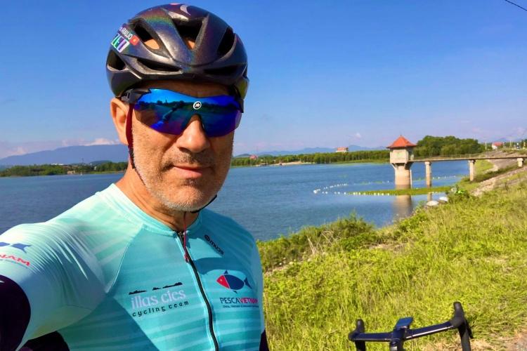 Araujo rides his bike to Ba Vi, Hanoi, in October, 2021. Photo courtesy of Araujo.
