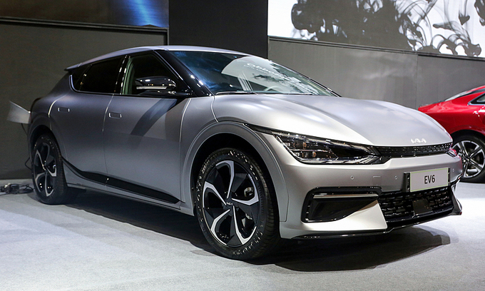 September auto sales plunge 50 pct