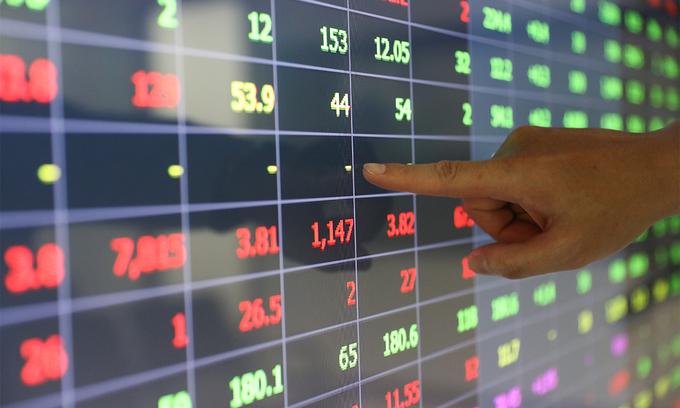 VN-Index exits seven-session gaining streak