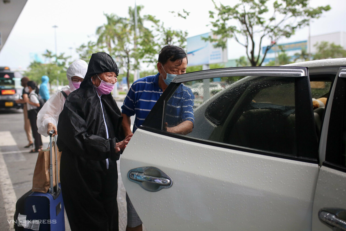 Most Saigon returnees have been fully vaccinated. In Da Nang,  817,700 people have been vaccinated, of which 120,900 have been fully vaccinated, accounting for 14.6 percent of the citys population.