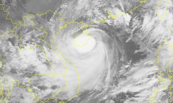 Storm Kompasu approaches Gulf of Tonkin