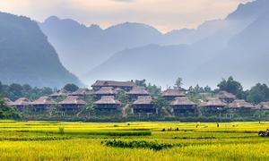 Hoa Binh resorts find favor as Hanoians' weekend retreats