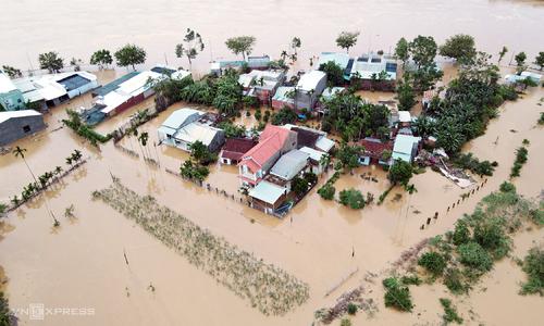 Flooding, landslides caused by heavy rains kills 3 in Vietnam