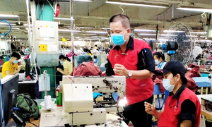 70 pct workers return to HCMC industrial hubs
