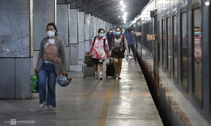 No Covid test for low-risk train passengers